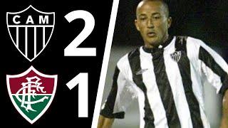 Galo mineiro derrota o fluminense no Mineirão.  Gols de Alex Mineiro e Zé Luiz. Rodolfo descontou para o tricolor.
