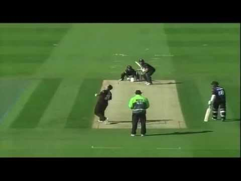 Epic Aussie fail - funny run out incident - Australia v Sri Lanka