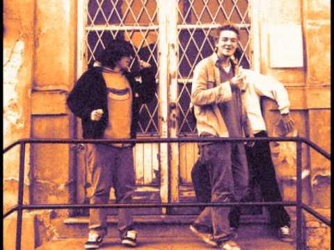Evelines - Un urlo (2001)