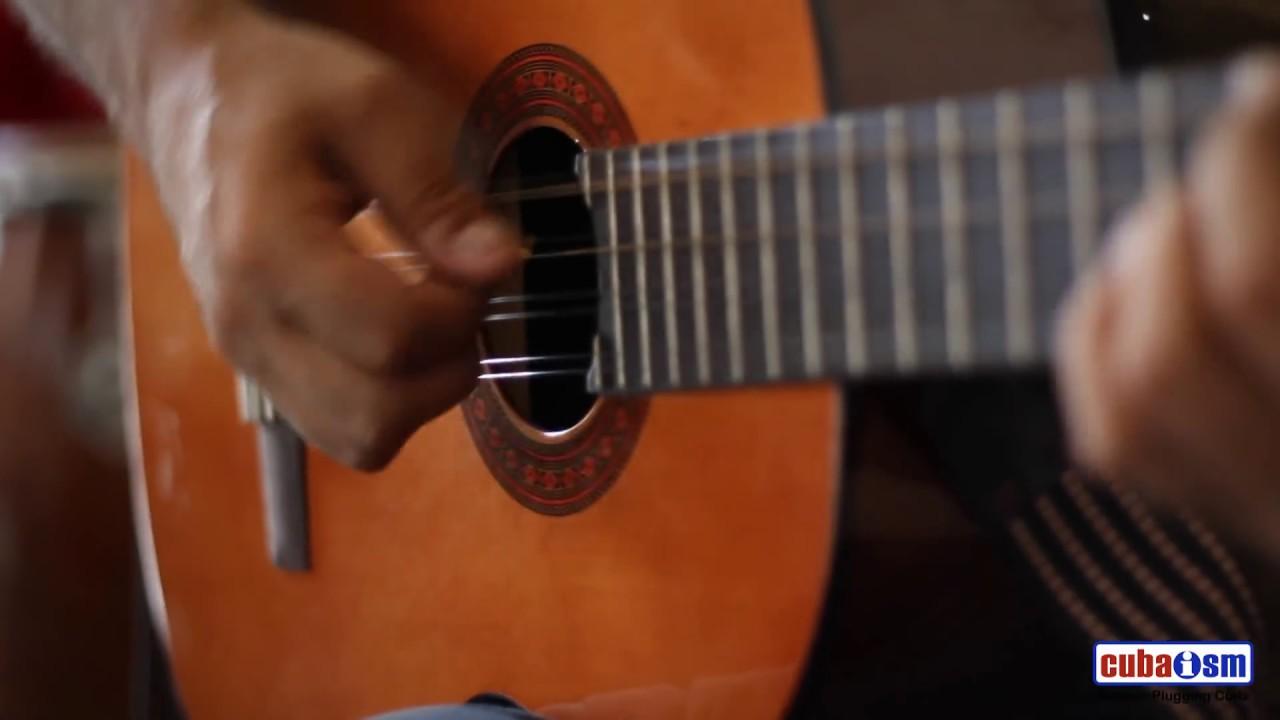 Tres Cubano - Santiago - Cuba - 019v01