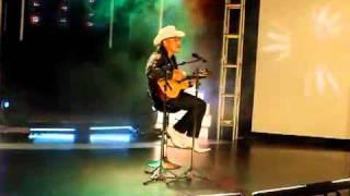 video y letra de Digale mi nombre por Espinoza Paz