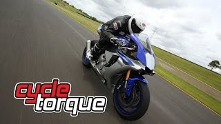 9. 2015 Yamaha YZF R1 and YZF R1M