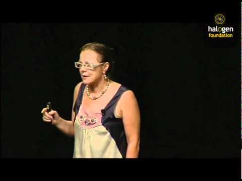 Dr Fiona Wood AM