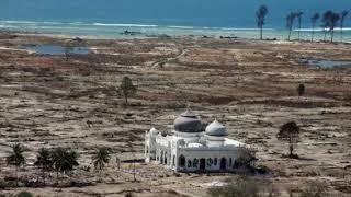 Video TERUNGKAP !!  Kisah Masjid Rahmatullah  Tetap Kokoh Dihantam Tsunami Aceh MP3, 3GP, MP4, WEBM, AVI, FLV Juni 2019