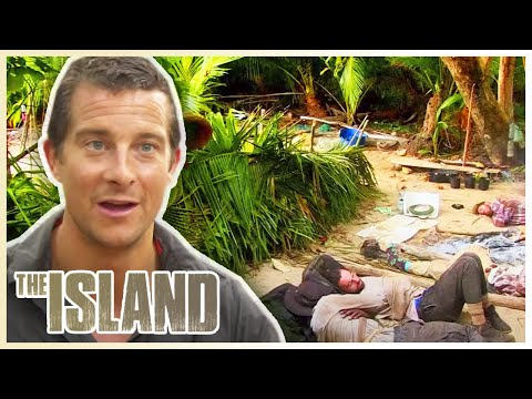 ABANDONED on a Pacific Island | The Island With Bear Grylls | S01 E01 | Thrill Zone