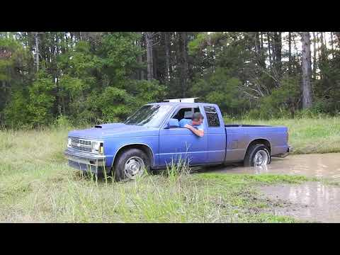 S10 V8 Spinning in the Mud