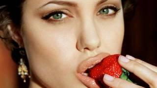 Celebrity Looks: Angelina Jolie {Makeup Geek}