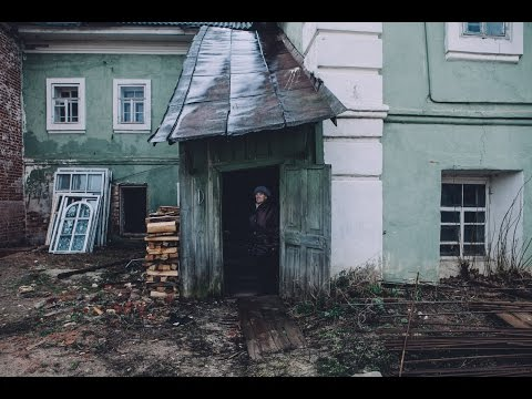 Монахи отжимают последнее жилье у старух