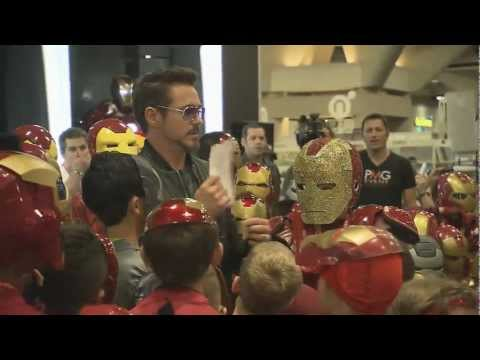 Robert Downey, Jr. Surprises Iron Man Fans At Comic-Con