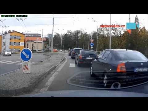Debil za volantem