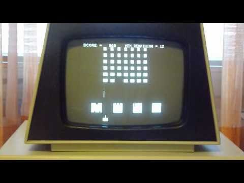 Commodore PET 2001 - playing PAC MAN & SPACE INVADERS