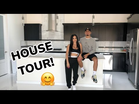 Download OUR EMPTY HOUSE TOUR! 😁 HD Mp4 3GP Video and MP3
