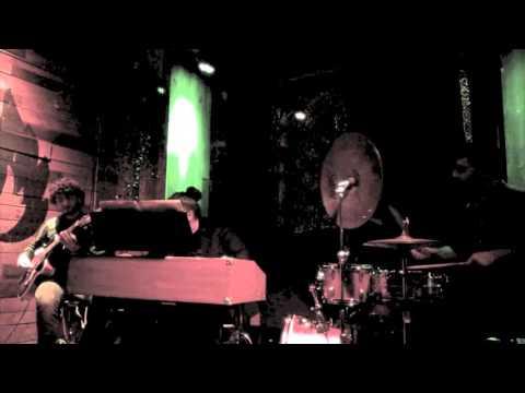 Matteo Addabbo Organ Trio - L'eterna lotta tra il bastone e la carota
