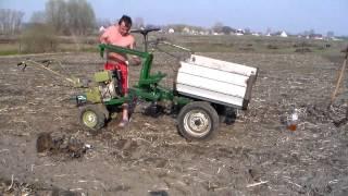 Смена навесного оборудования в рабочих условиях