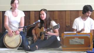 Jai Jai Janani sung by the White Light Kirtan Band