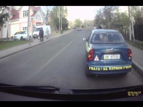 Оприлюднено повне відео ДТП на Грушевського [ВІДЕО]