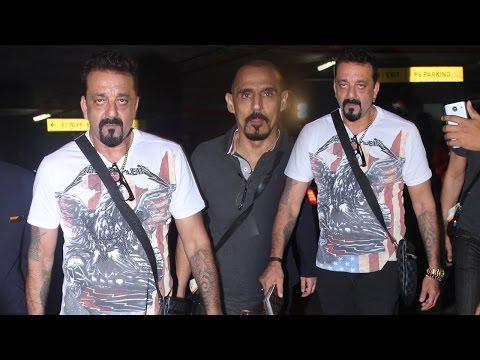 Sanjay Dutt's Munnabhai Entry At Mumbai Airport!