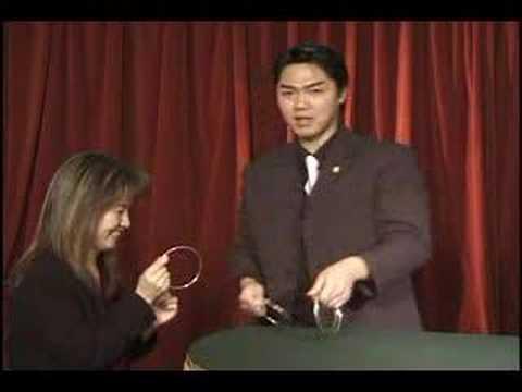 Shoot Ogawa, espléndidos trucos de magia con anillos