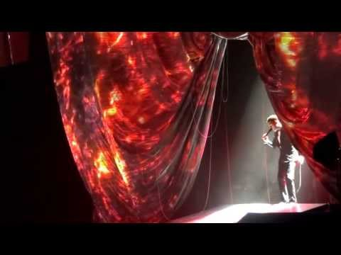 """Michael Buble. Complete opening and """"Fever"""". The O2 Arena. 7th July 2013"""