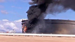 Milhões de toneladas de petróleo continuam a arder na Líbia