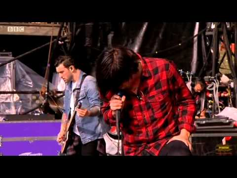 Sleeping With Sirens @ Reading Festival - Main Stage - Full Set - 24.08.2014