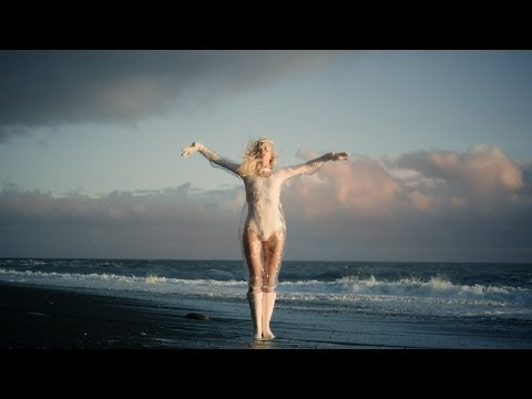 Iamamiwhoami; Fountain