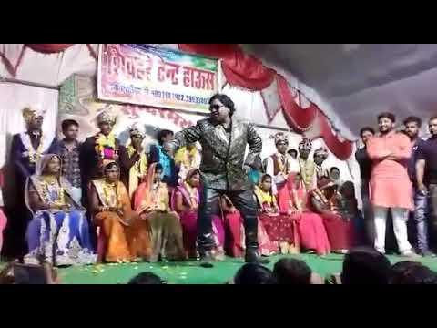 Video Junior govinda dance in Indian marriage  /गोविन्दा dance  इस्टाइल इन् पब्लिक अंकल dance??? download in MP3, 3GP, MP4, WEBM, AVI, FLV January 2017