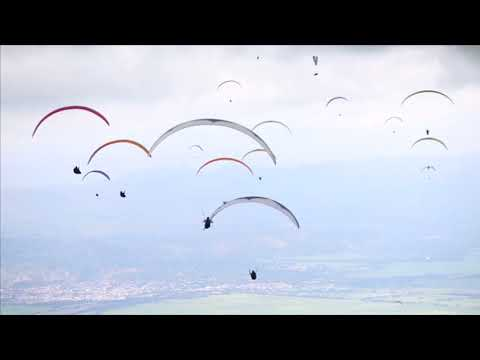 Worldcup: Paraglider in Kolumbien trotzen Wind und We ...