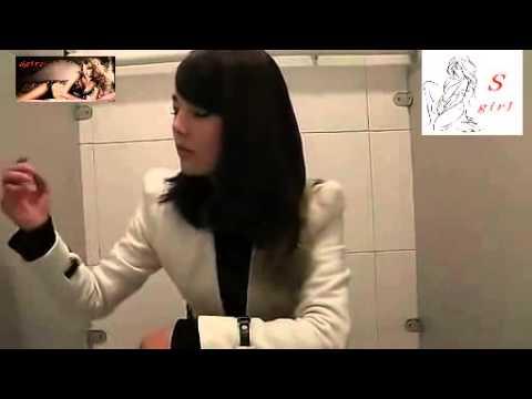Top 3: girl xinh đi vệ sinh quên không mang giấy