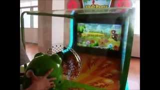 Стрелялка. Задача игрока - стрелять из воздушной пушки по движущимся мишеням на экране. 4 видео-игры.