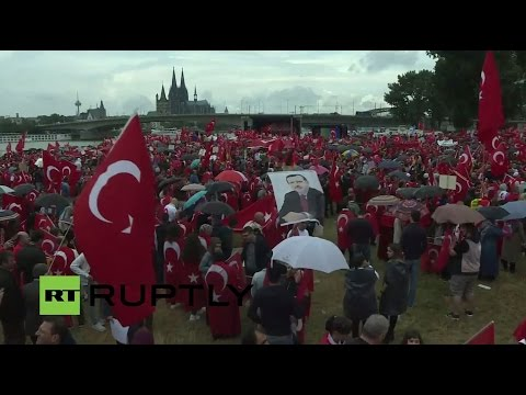 Köln 2016: LIVE: Pro-Erdogan protesters rally in Cologne