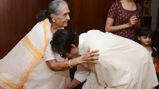 Amitabh Bachchan Meets Onscreen Mother on Her 86th Birthday