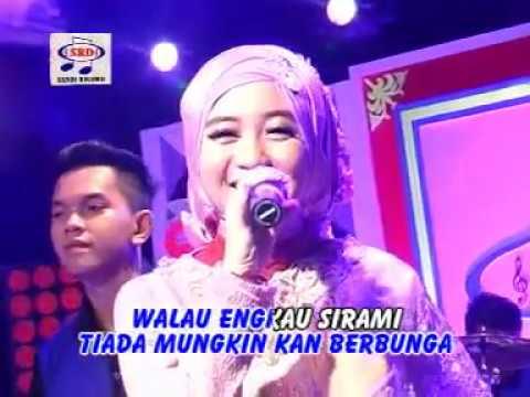 Video Ega DA2 - Tiada Guna (Official Music Video) download in MP3, 3GP, MP4, WEBM, AVI, FLV January 2017