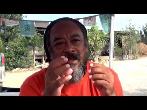 Mooji Moment: Keep Quiet and Let Life Unfold
