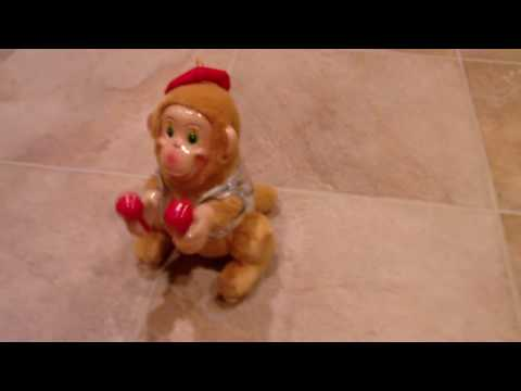ThinkFastToys - www.ThinkFastToys.com Shake, shake, shake... Somersaulting Monkey does a 360 degree back flip and still keeps on the beat. Requires 2 AA Batteries (not inclu...