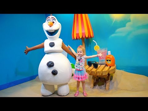 Развлечения для детей в парке Дисней. Настя встречает Принцесс и едет на Сафари в зоопарк
