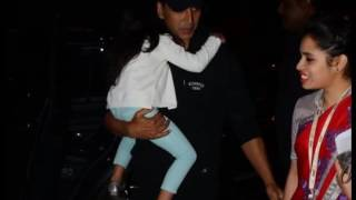 Akshay Kumar & Family depart for Christmas New Years Holiday