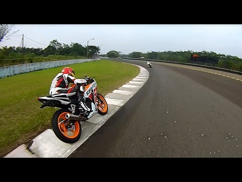 Download Video Honda New CBR150R Fun Race With Marc Marquez & Pedrosa (Sentul)