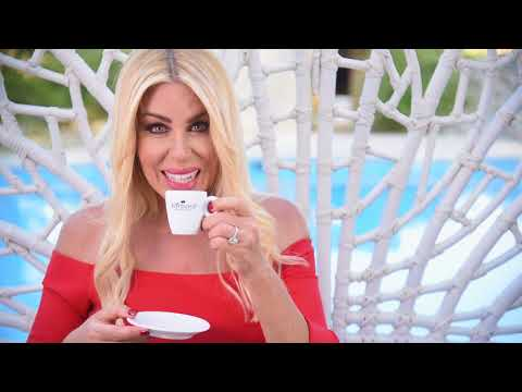 """Spot """"Caffè Barbaro"""" con Loredana Lecciso"""