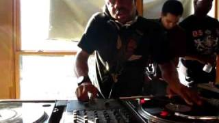 Just Blaze on the 1's and 2's (Part 1 of 2) @ Fat Beats, NYC (The Final Day)