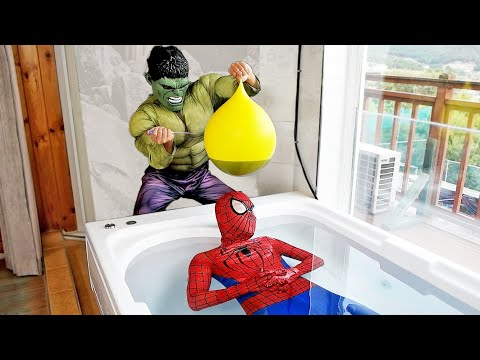 Spider Man Hulk İn The Pool BALLOON in COCA Cola PRANK!