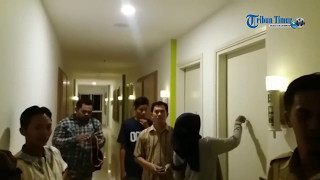 Video Detik-detik Pengepungan Bos Travel Abal-abal di Hotel MP3, 3GP, MP4, WEBM, AVI, FLV Februari 2018