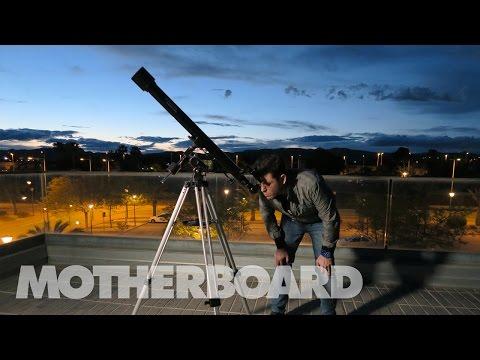 En Elche están preparando un cohete para lanzarlo al espacio y así va su enorme trabajo
