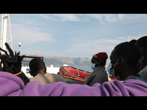 Σαρδηνία: Αποβιβάστηκαν οι μετανάστες του Alan Kurdi