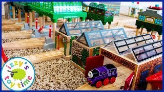 Video One of our Favorite Prettiest Tracks! SHED ROW! Thomas and Friends Fun Toy Trains for Kids! MP3, 3GP, MP4, WEBM, AVI, FLV Januari 2019