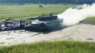 Leopard II na pełnej prędkości vs BMW