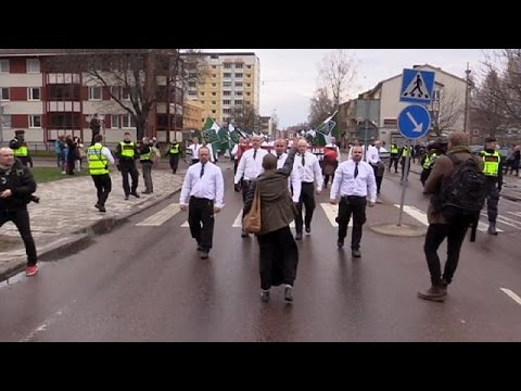 Σουηδία: Η γυναίκα που ύψωσε τη γροθιά της στους νεοναζί