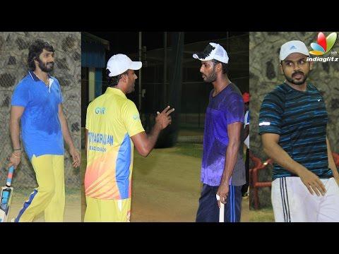 Vishal-Karthi-and-Soori-undergo-severe-coaching-for-Nadigar-Sangam-Cricket-Hot-Tamil-Cinema-News