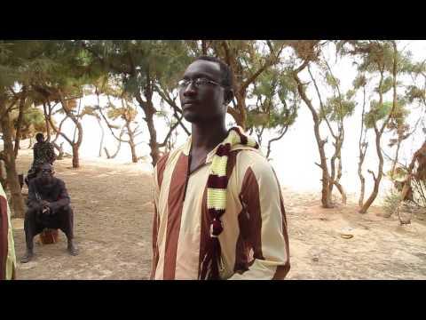 Le clip de Ousmane SARR tournée sur la plage à quelques encablures de Thies