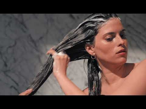 Hair salon - How to Cleanse Your Hair with Chronologiste Bain Shampoo